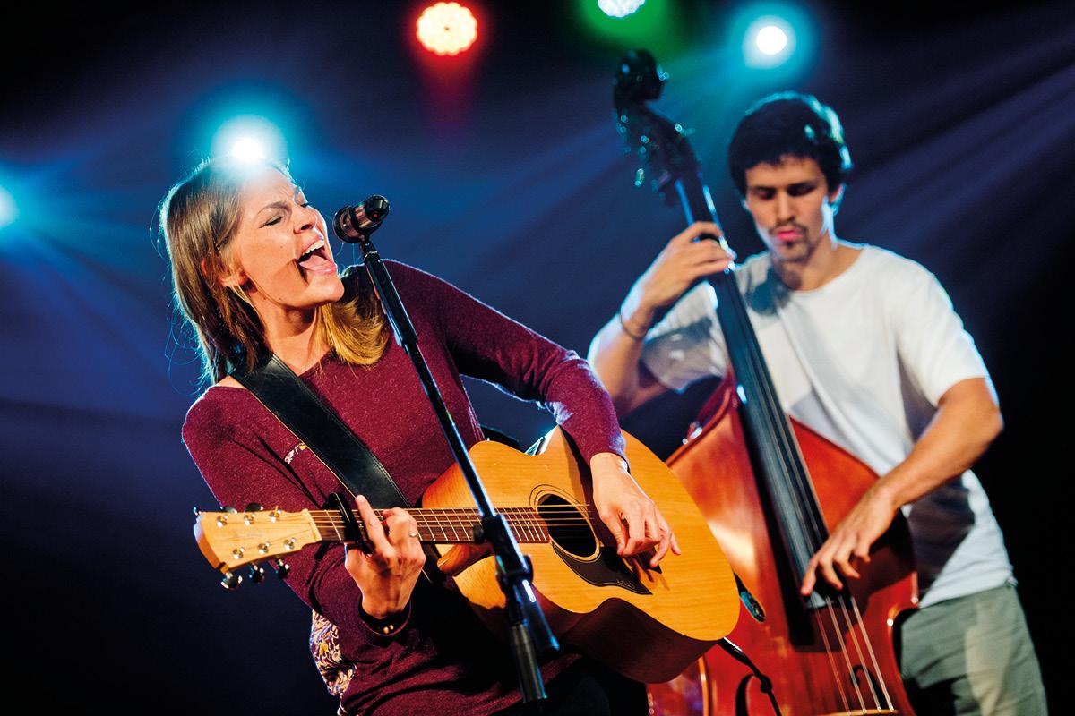 Folk-Rock Künstlerin Hanne Kah live